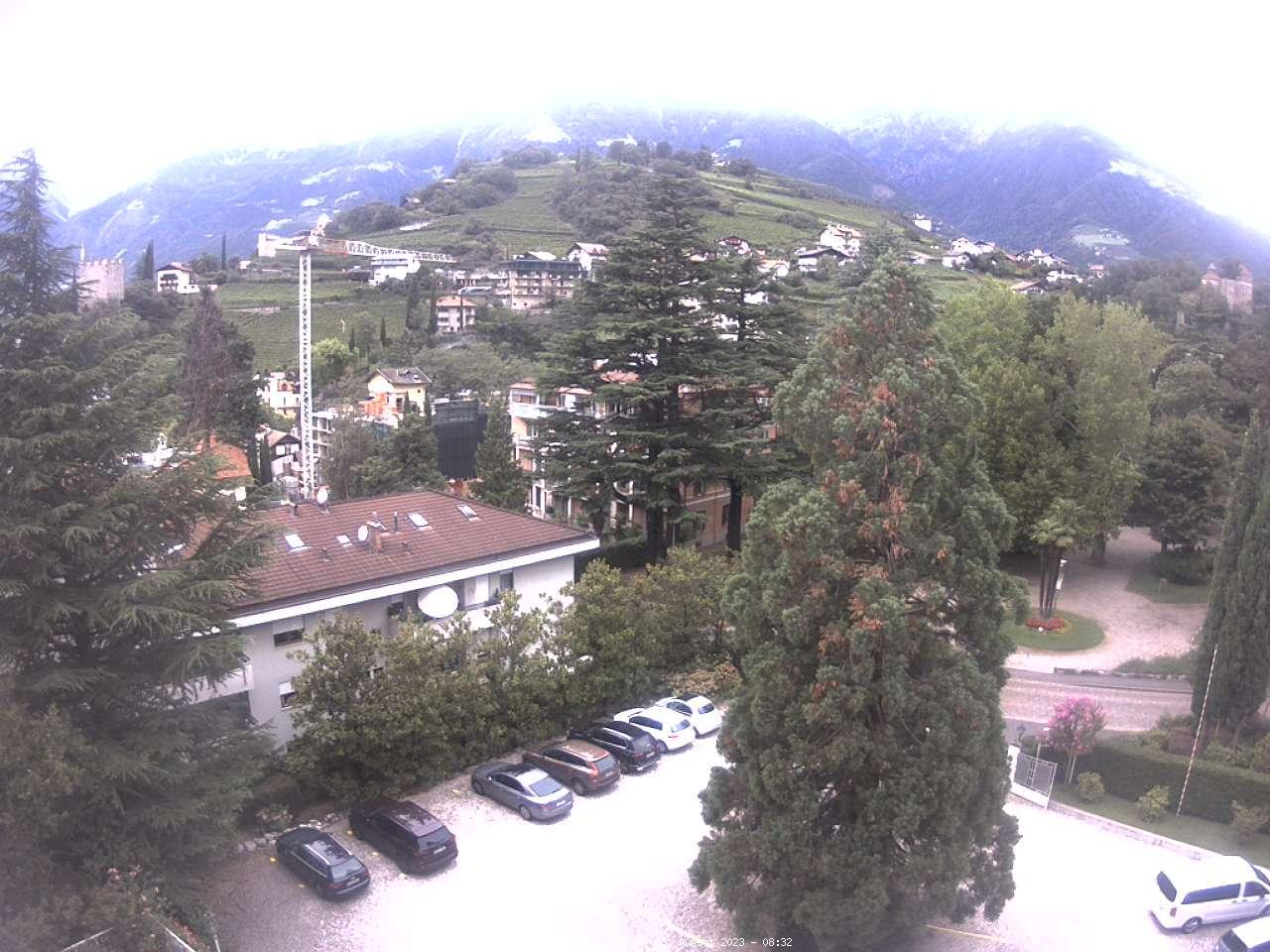 Webcam (mit Blick auf Merans Bergpanorama)